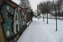 Dvojice z Valašského Meziříčí ozdobila svým podpisem zdi Piaristického kláštera na ulici Bratrská, jejich pozornosti neušli ani zdi dalších dvou domů.