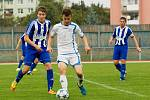 Fotbalisté Přerova (v bílém) v domácím derby s Hranicem