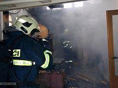 Požár stolárny v Lovešicích