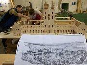 Výroba modelu typického středověkého kláštera