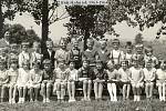 Žáci 2. třídy Základní školy Radslavice ve školním roce 1963 až 1964.