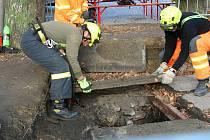 Archeologové se opět vrátili do studny na Horním náměstí v Přerově. Konec září 2020