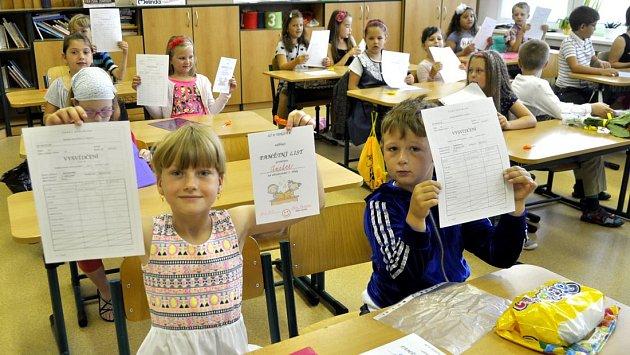 Vysvědčení u prvňáčků na ZŠ U Tenisu v Přerově
