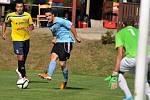 aFotbalisté Kozlovic (v modrém) proti Velkým Losinám