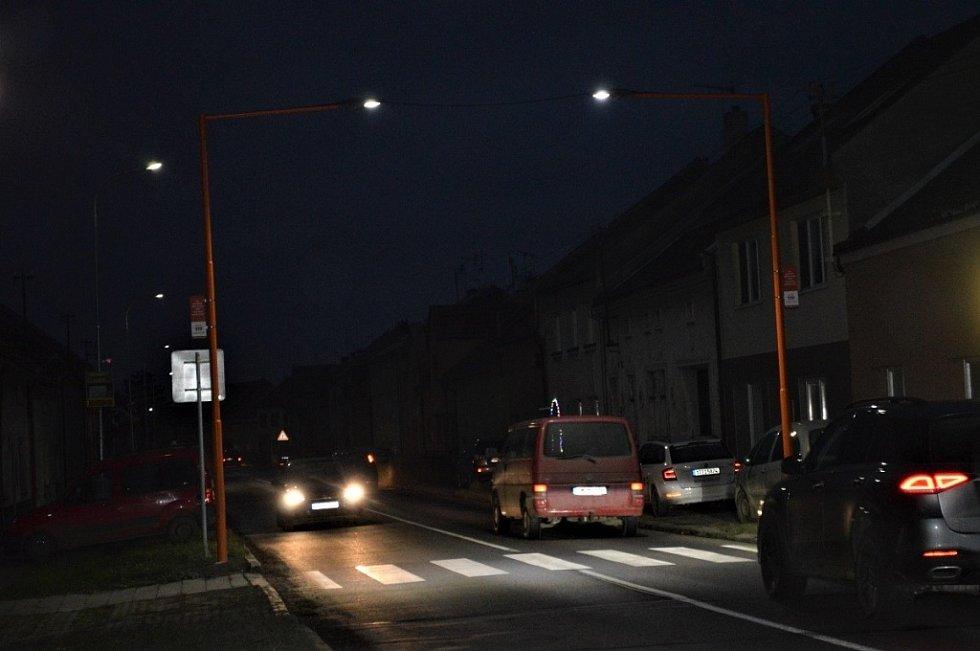 Bochoř má tři nově osvětlené Oranžové přechody.