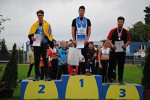 Přerovští atleti David Skřeček a Jonáš Kolomazník uspěli na MČR žactva v Břeclavi.