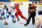 In-line hokejisté Přerova (v červeném) ve čtvrtfinále porazili obhájce titulu z Olomouce.