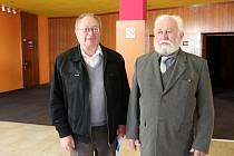 Premiéry dokumentu Poválečný kmotr se v přerovském kině Hvězda účastnili i pamětníci Miroslav Chyla (vlevo) a Karel Klapuch.