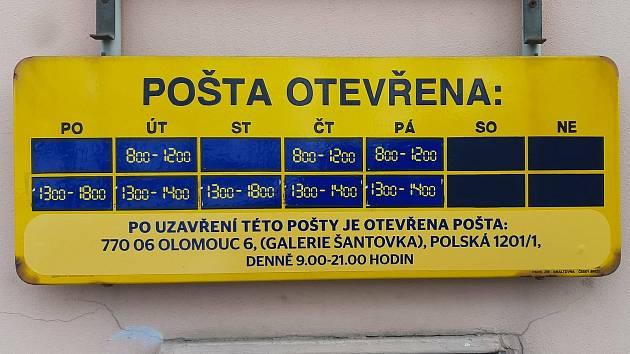 V Dřevohosticích lidé kvůli nevyhovující provozní době na pobočce místní pošty sepsali petici - a podařilo se dohodnout kompromis.