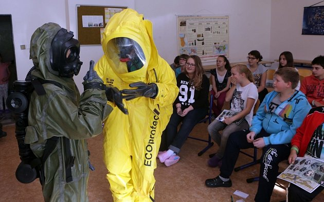 Vojáci představili armádu na přerovské základní škole vulici Za Mlýnem