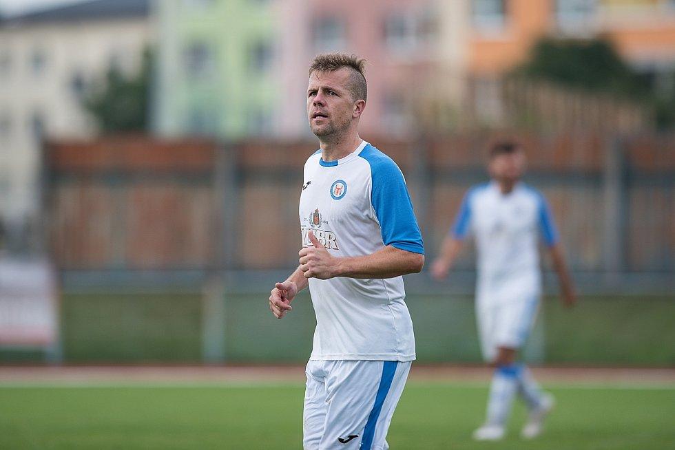 Fotbalisté Přerova (v bílém) proti Brumovu. Lukáš Kaďorek
