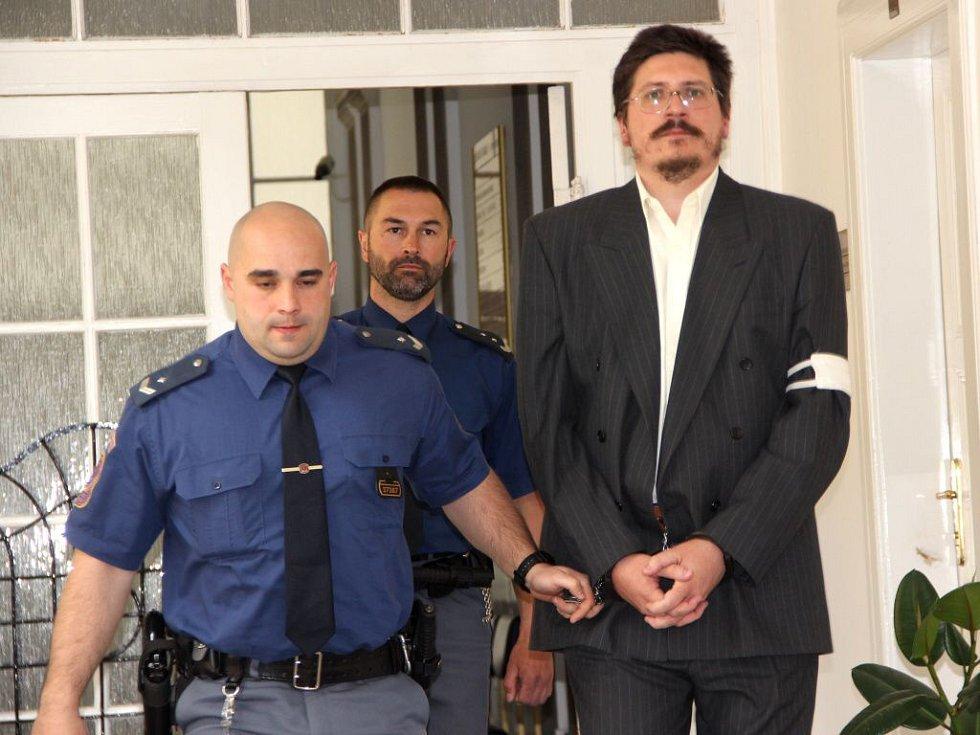 Pavel Nárožný u okresního soudu v Přerově