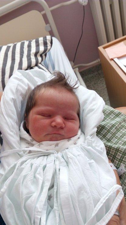 Valérie Běhalová, Osek nad Bečvou, narozena dne 17. září vPřerově, míra 50 cm, váha 3200 g