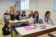 Novou chemickou laboratoř, ale i fyzikální a dvě jazykové učebny získalo díky modernizaci Gymnázium Jana Blahoslava a Střední pedagogická škola v Přerově.