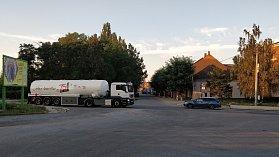 Křižovatka ulic Polní-Tržní-Dluhonská v Přerově je dnes pro řidiče, ale i chodce, nebezpečná. Už v příštím roce se proto začne budovat v tomto úseku nový rondel. Město plánuje i novou cyklostezku.