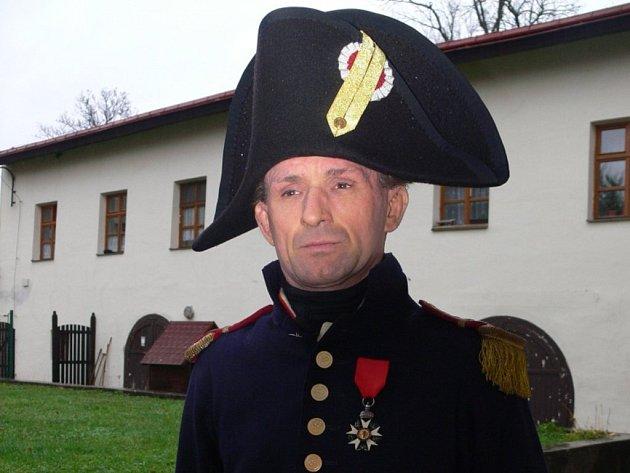 Kamil Maděra v sobotu velel francouzskému praporu v Dřevohosticích z pozice kapitána.