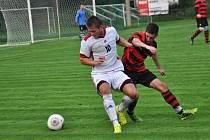 FK Slavoj Kojetín/Kovalovice (v bílém) proti Konici