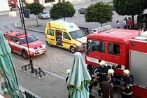 Při požáru bytu v Lipníku se zranil majitel