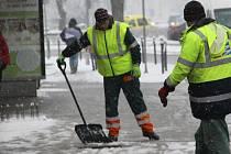 Úklid sněhu v přerovských ulicích. Ilustrační foto