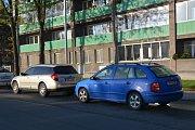 V Přerově začala v pondělí oprava dvou rondelů v centru města a řidiči zažívali kolapsové stavy. Kolony aut se štosovaly po celém městě - asi nejhorší byla situace u hřbitova nebo u nádraží.