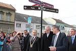 Prezident v Přerově diskutoval se zdravotníky v nemocnici a zúčastnil se i besedy s občany.