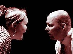 Mrazivá hudební komedie Honzo vstávej přerovského divadla Dostavník