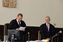 Přerovská kauza - soudní jednání s přerovskými radními a úředníky - 23. 9. 2015