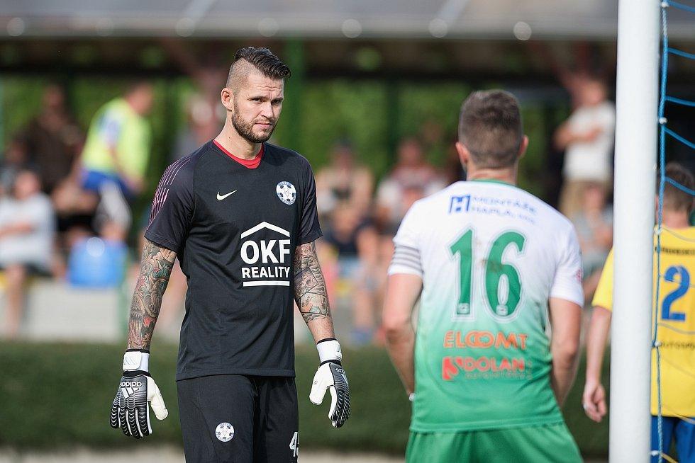 Fotbalisté Kozlovic (ve žlutém) doma porazili Bzenec 2:0. Petr Kadlec