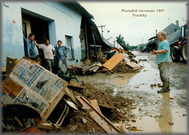 Ohromné škody napáchaly povodně v červenci roku 1997  v Přerově, Troubkách Vlkoši, Bochoři a řadě dalších obcí.