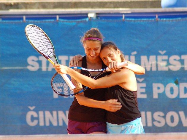 Pátý den hlavní soutěže tenisového Zubr Cupu v Přerově. Žovincová – Jablonovská