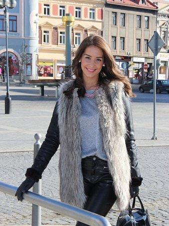 Nikola Buranská pocházející zPřerova - finalistka České Miss 2014
