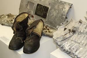 Unikátní výstava věnovaná největší letecké bitvě konce druhé světové války nad Hanou, která se strhla 17. prosince 1944, začala v galerii Pasáž v Přerově. Mezi nejcennější exponáty patří úlomky letounů, které se tehdy zřítily na několika místech regionu -