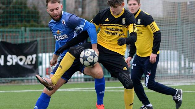 Fotbalisté 1. FC Viktorie Přerov v přípravném utkání s Novými Sady