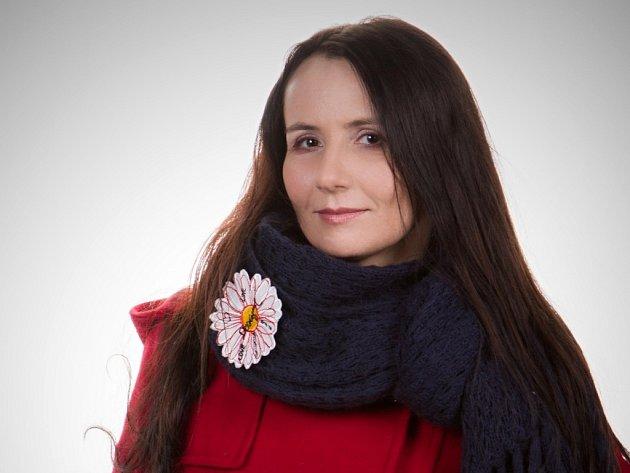 Jednou z nominovaných v soutěži Žena regionu je i publicistka, novinářka a pětinásobná matka Marie Šuláková z Veselíčka na Přerovsku.