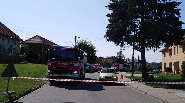 Kvůli úniku plynu do kanalizace vyjížděli v pondělí kolem poledne hasiči do Dolních Nětčic na Lipnicku. Havárie, ke které došlo v důsledku stavebních prací, krátkodobě odpojila od plynu obyvatele dvou obcí - Horních a Dolních Nětčic.