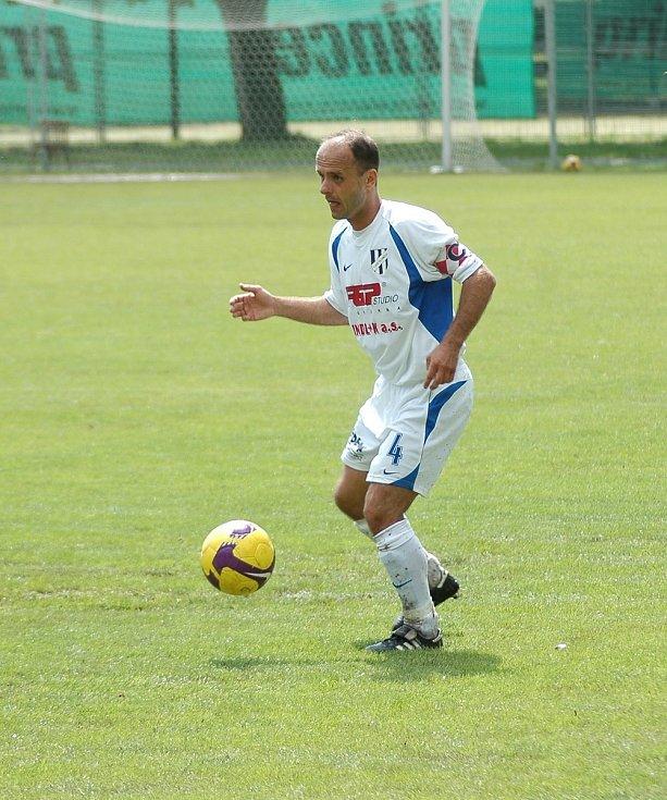 Tomáš Vajda v dresu Holice.