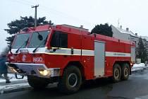 Požár rodinného domu v Újezdci zaměstnal tři jednotky hasičů