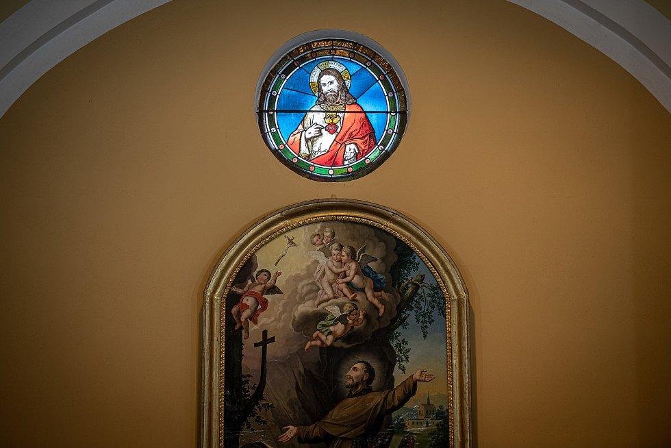 Slavnostní bohoslužba k 100. výročí vysvědčení Antonína Cyrila Stojana olomouckým arcibiskupem, 14. března 2021 v Běnově.