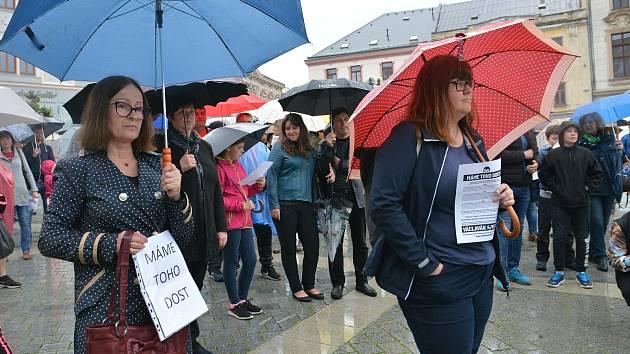 Setkání organizované spolkem Milion chvilek pro demokracii na Masarykovo náměstí v Přerově. Ilustrační foto