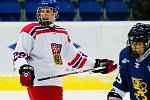 Hokejisté České republiky do 16 let (v bílém) na úvod Turnaje čtyř v Přerově porazili Finsko 4:3