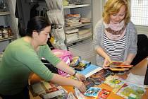 Sbírka školních potřeb pro děti z chudých rodin