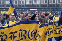 Pochod fanoušků přerovských Zubrů městem před startem play-off