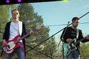 Během oslav narozenin přerovského pivovaru Zubr vystoupila v pátek odpoledne na pódiu také kapela O5 a Radeček. Kapelu Levitate nahradila skupina Reflexy.
