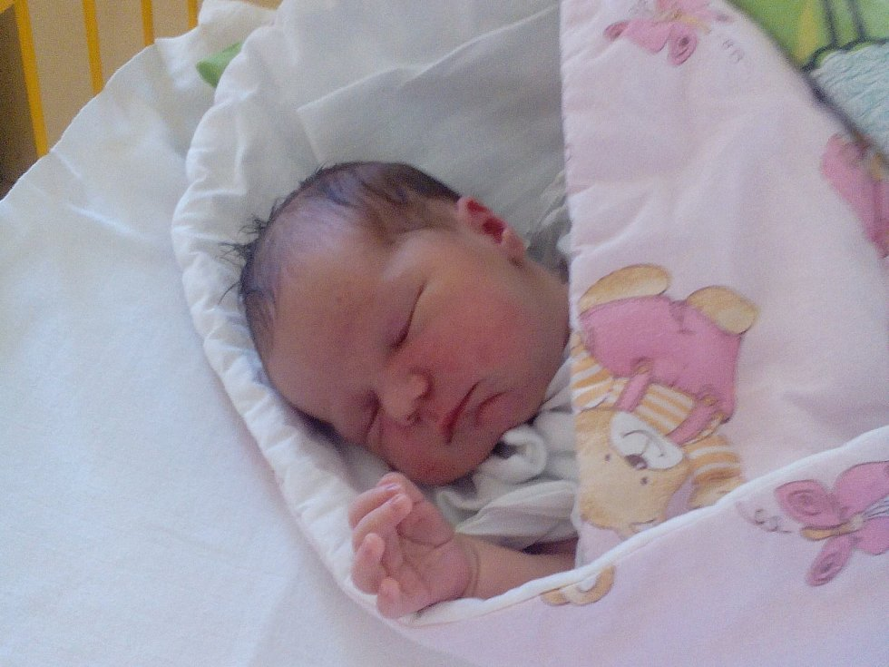 Anna Ulrychová, narozena dne 8. dubna v Novém Jičíně, míra 50 cm, váha 3640 g