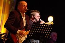 Legendární kapela VOX , se kterou kdysi Pavel Novák začínal, odstartovala sérii vzpomínkových koncertů na legendu pop music v Přerově.