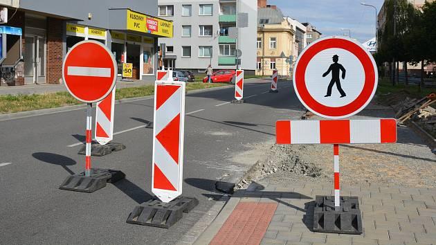Částečná uzavírka Palackého ulice v Přerově kvůli budování autobusového zálivu