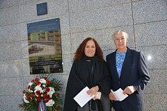 Pamětní desku obětem druhé světové války z řad četnictva odhalili ve čtvrtek na nároží přerovské policejní budovy v ulici U Výstaviště.