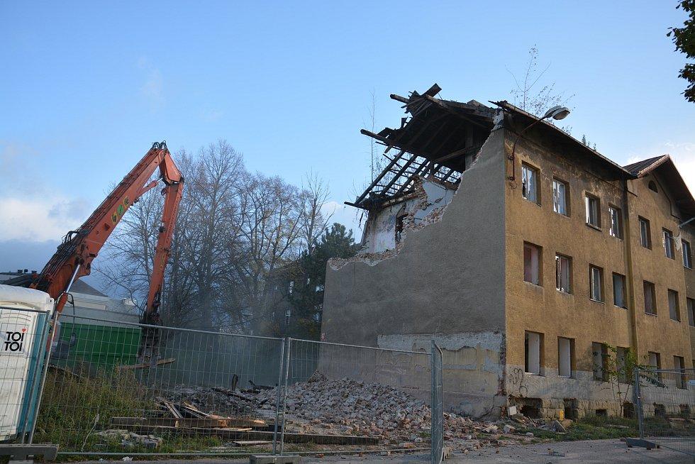 Bourání ve Škodově ulici v Přerově