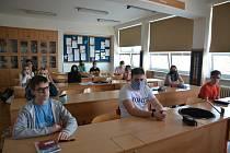 Žáci devátých tříd na Základní škole Svisle v Přerově se vrátili do školních lavic. - 11. května 2020
