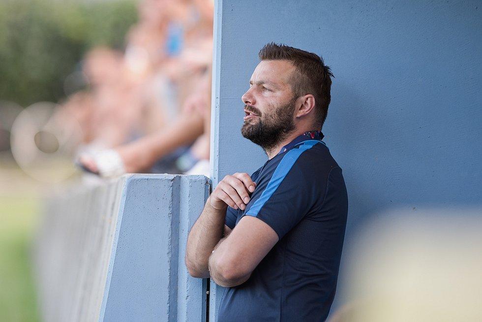 Fotbalisté Kozlovic (ve žlutém) doma porazili Bzenec 2:0. Michal Šrom